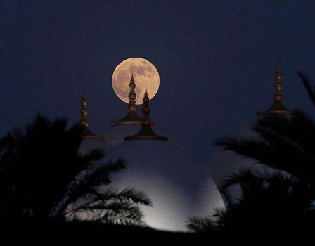 بزرگترین ماه گرفتگی قرن 06