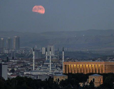 بزرگترین ماه گرفتگی قرن 9