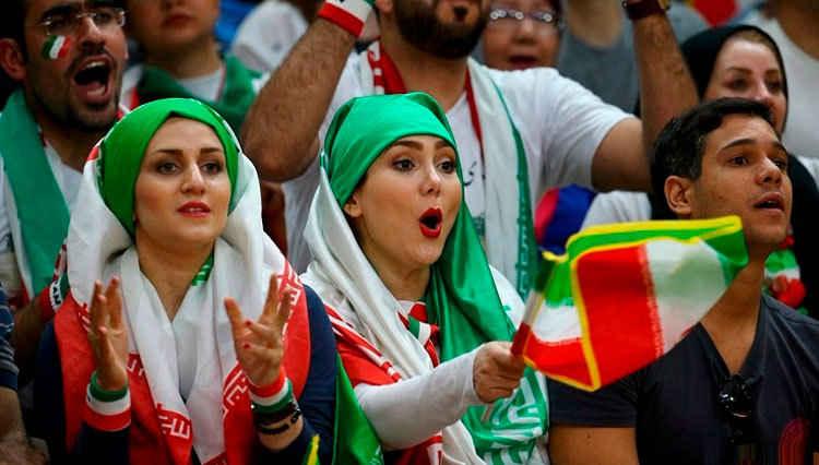 مجوز ورود زنان به ورزشگاه صادر شد
