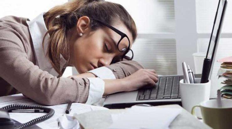 حفظ شادابی پوست با خواب کافی و به موقع