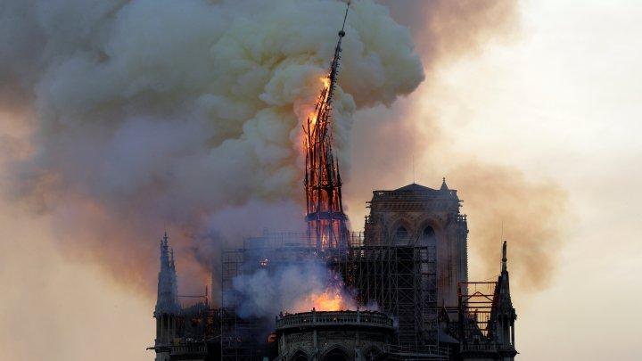 آتش سوزی در کلیسای نوتردام فرانسه