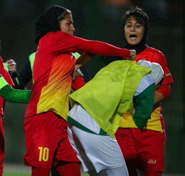 زد و خورد شدید در فوتبال زنان ایران 5