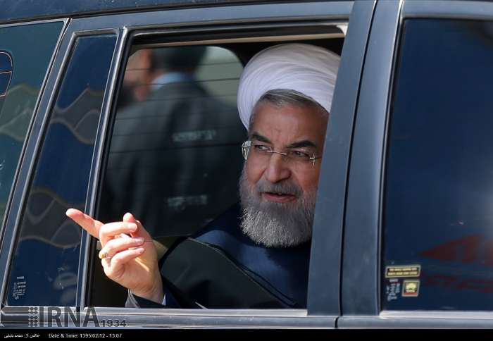 نظرسنجی حسن روحانی در ماشین