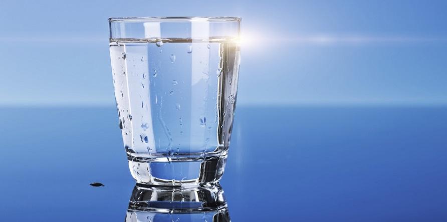 چگونه در ماه رمضان کمتر تشنه شویم آب تشنگی