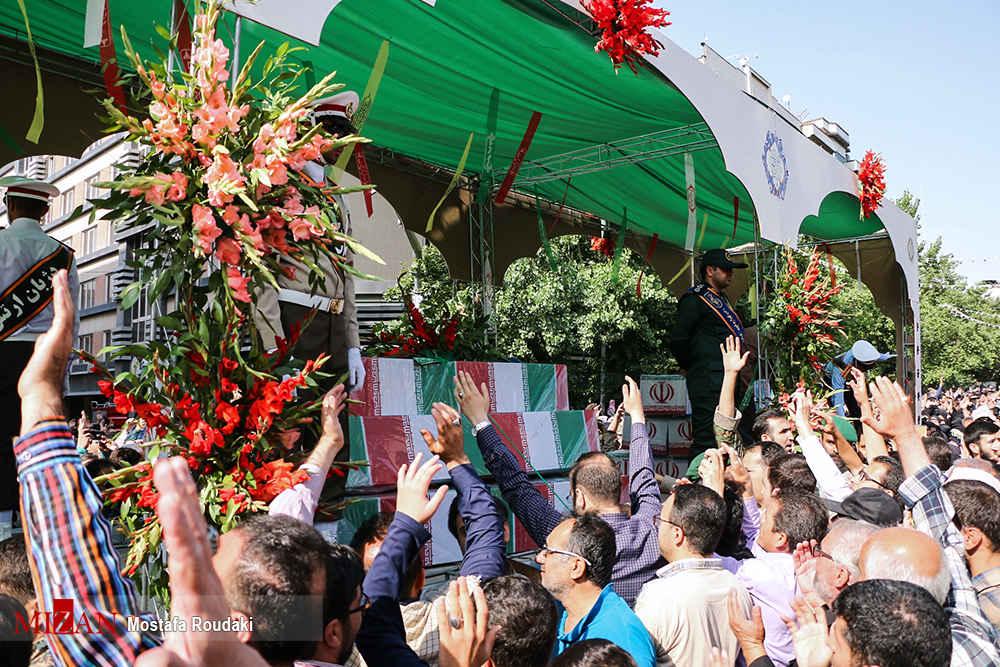 تشییع پیکر ۱۵۰ شهید تازهتفحصشده سالهای دفاع مقدس 04