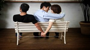 تعویض همسر خیانت است