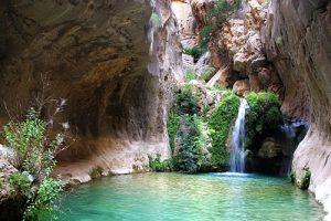 حوضچه ماهی آبشار آذرخش استان فارس