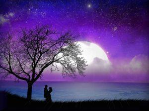 عشق عجب ز عشق که هر کس روایتی دارد