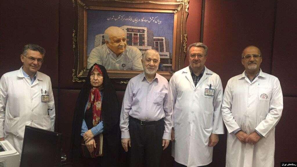 عکس میرحسین موسوی و زهرا رهنورد در مرکز قلب تهران