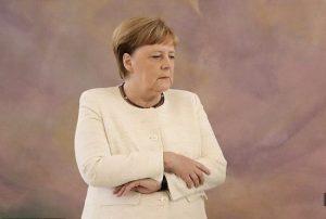 لرزش های صدر اعظم آلمان بیماری آنگلا مرکل