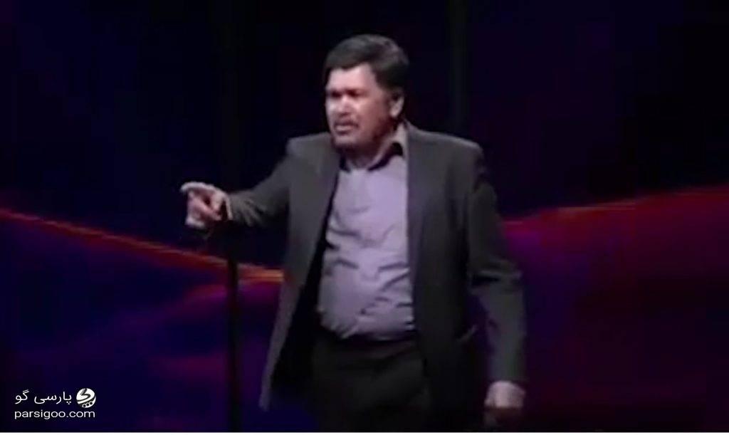 مرد بازنشسته ای که با اعداد شعبده بازی می کند در مجموعه تلویزیونی طنز ناخونک