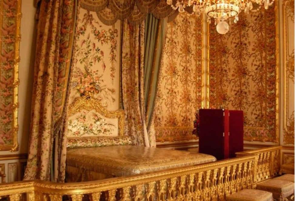 اتاق ملکه الیزابت در کاخ باکینگهام