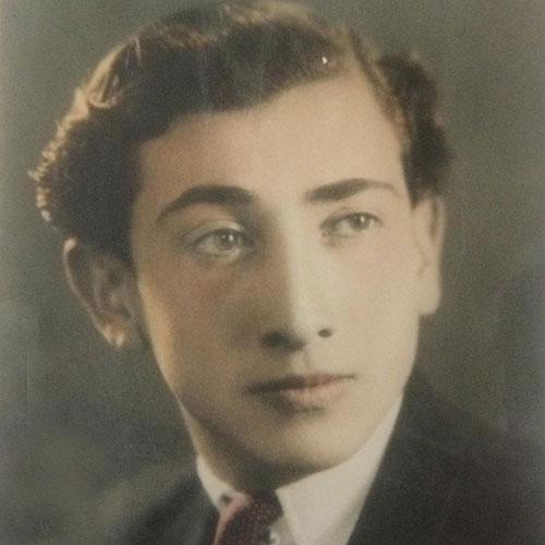 داریوش اسد زاده در جوانی