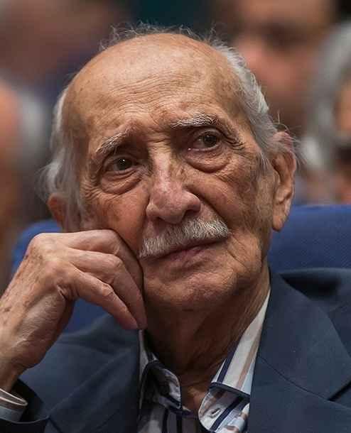 داریوش اسد زاده در سنین پیری