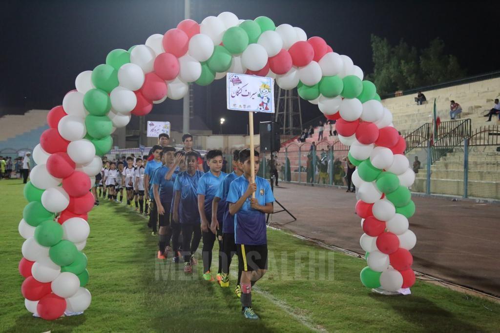 قضاوت داوران زن برای فوتبال پسران در بوشهر