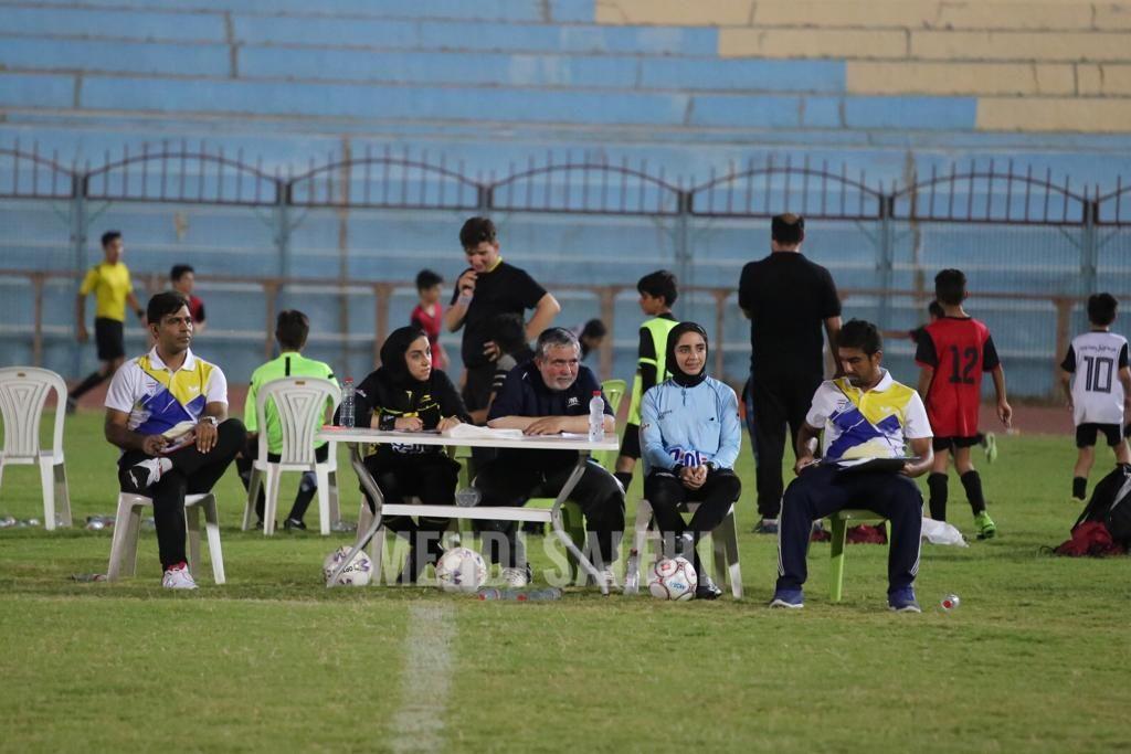 قضاوت داوران زن برای فوتبال پسران در بوشهر 2