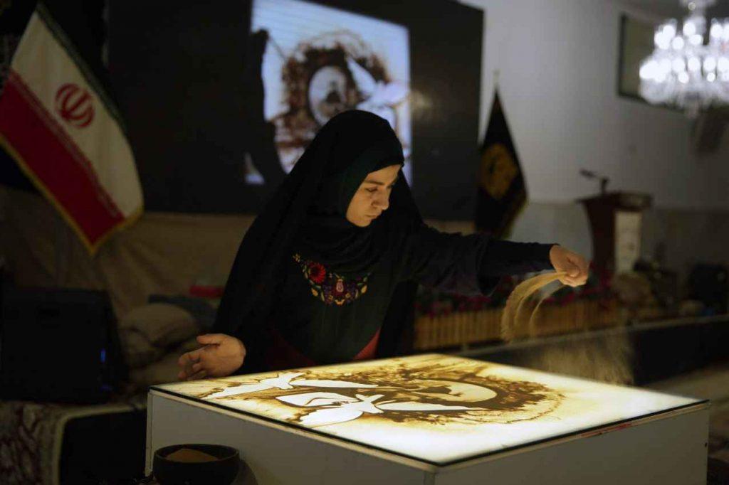 اجرای برنامه فاطمه عبادی در حرم امام رضا
