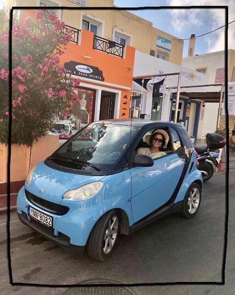 الناز شاکر دوست در خارج از کشور و سوار بر خودرویی عجیب