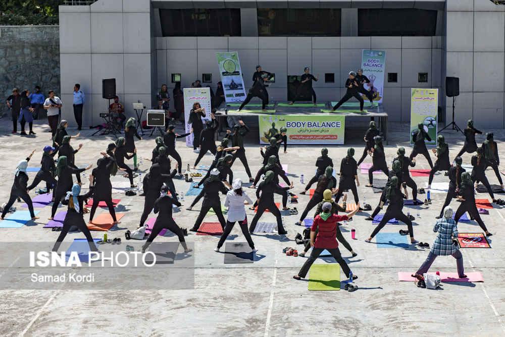 حرکات ورزشی نامتعارف در همایش ملی ایروپامپ در کرج