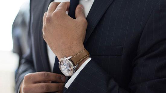 استفاده از ساعت هرگز از مد نمی افتد. خصوصا برای کسانی که می خواهند خوش پوش و جذاب باشند