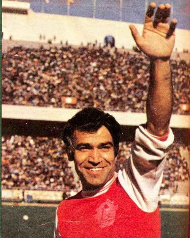 جعفر اشرف کاشانی در استادیوم آزادی با لباس تیم پرسپولیس