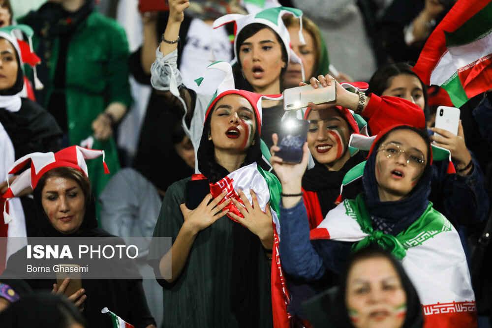 حضور بانوان در ورزشگاه آزادی ایران کامبوج