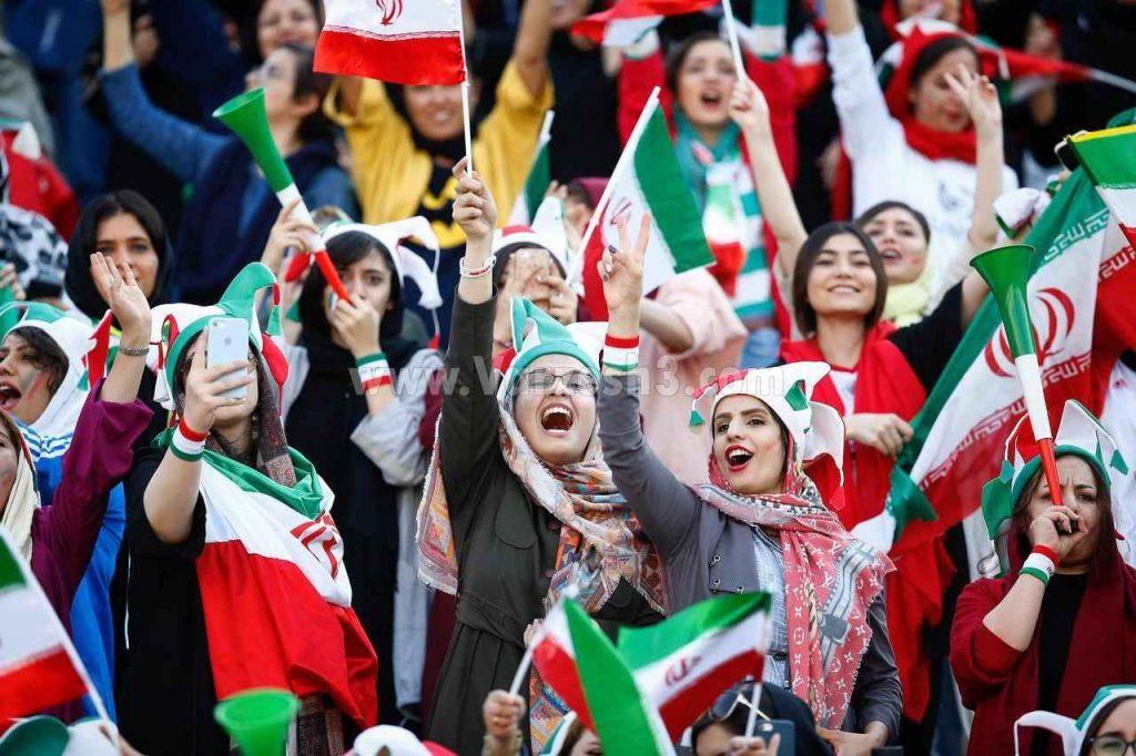 خوشحالی بانوان از گلزنی های پی در پی ملی پوشان حضور زنان در ورزشگاه