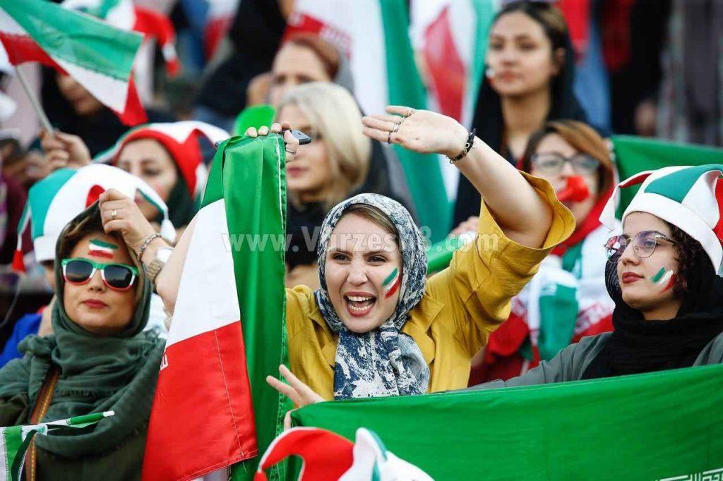 شادی بانوان ایرانی از حضور در ورزشگاه تماشای تیم ملی حضور زنان در آزادی