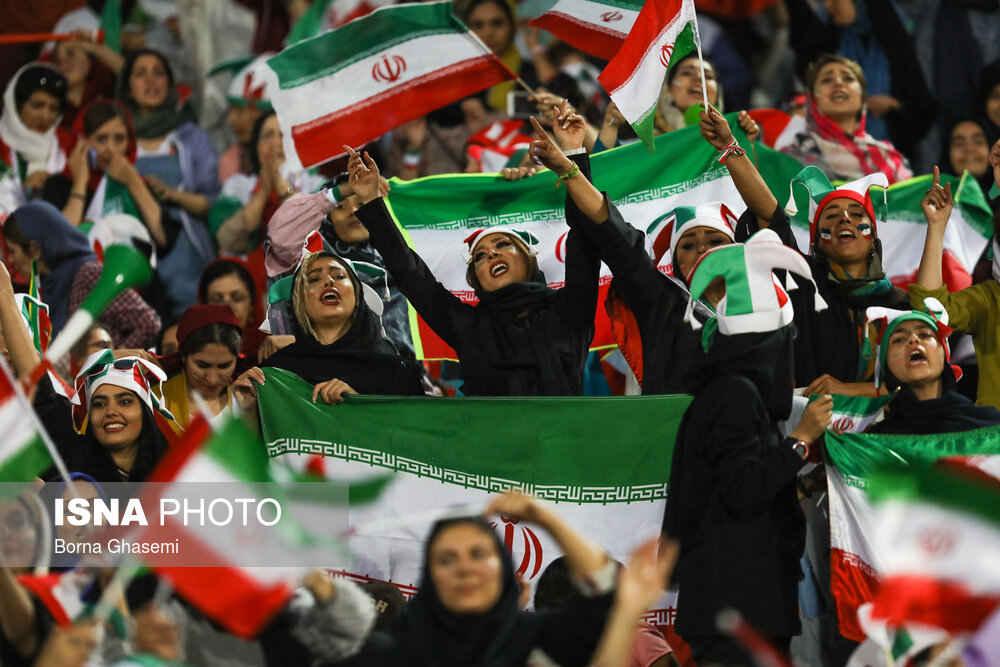 شور و هیجان زبان حاضر در ورزشگاه آزادی دیدار ایران کامبوج