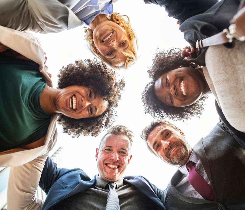 همکار خوب یک نعمت است شغل خوب با همکاران دوستداشتنی
