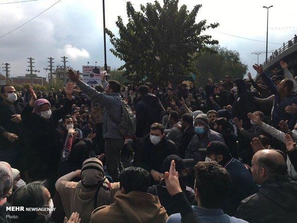 تجمع آرام و مسالمت آمیز مردمی در اعتراض به گرانی بنزین