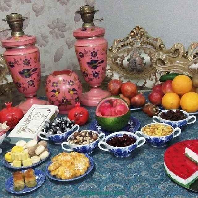 سفره جذاب و ساده ویژه جشن شب یلدا