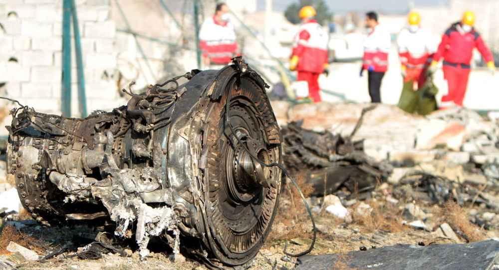 لاشه هواپیمای سقوط کرده اوکراین بخشی از موتور هواپیما