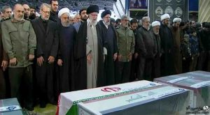 نماز رهبر انقلاب بر پیکر سردار سلیمانی