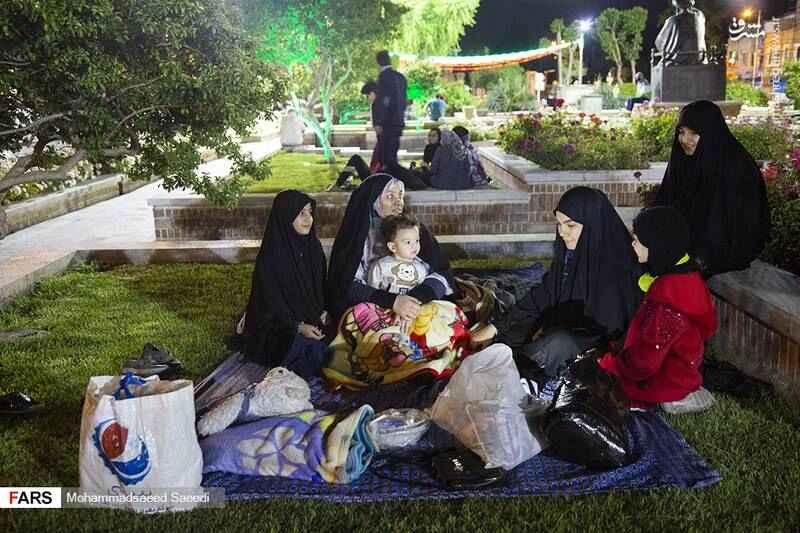 مردم از ترس پل لرزه زلزله تهران به خیابان ها آمدند