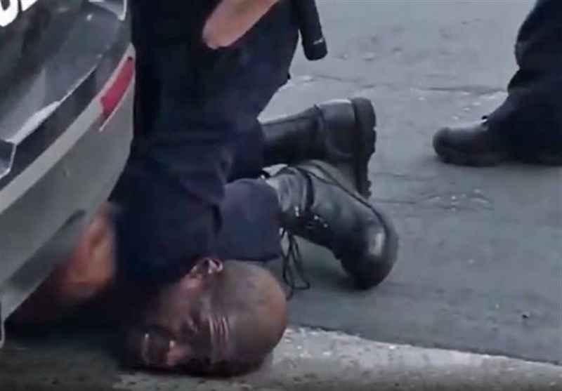 لحظه خفه شدن مرد سیاه پوست توسط پلیس آمریکا
