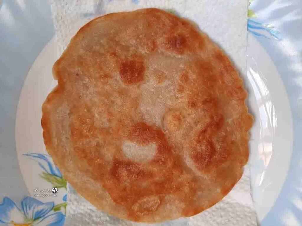 نان محلی یزدی ورنیومده یزدی