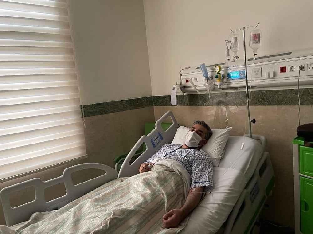 علی رضوانی روی تخت بیمارستان خبرنگار صدا و سیما کرونا گرفت