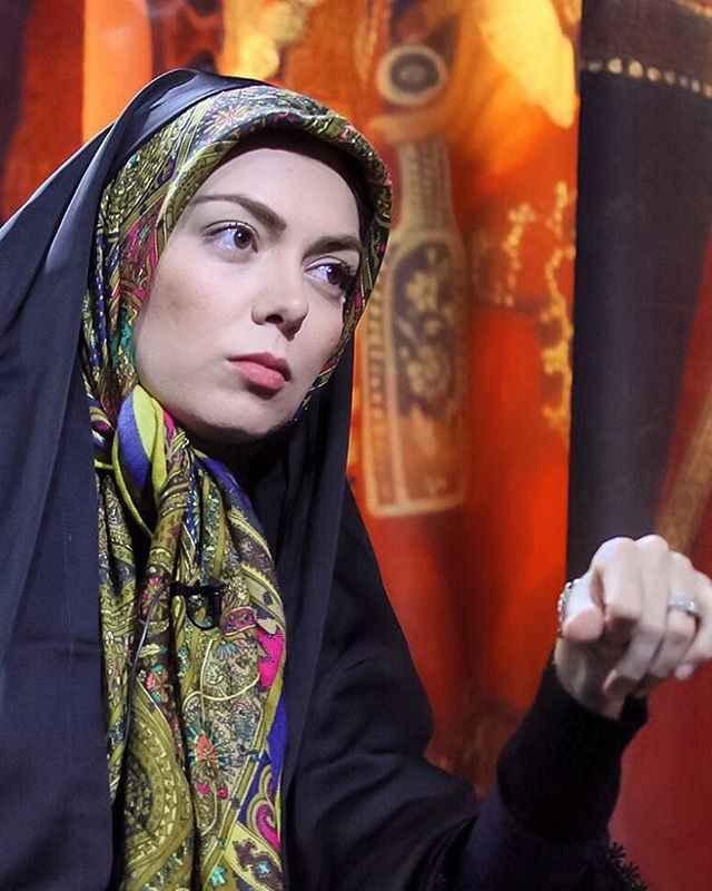 بیوگرافی و زندگی نامه آزاده نامداری مجری تلوزیون