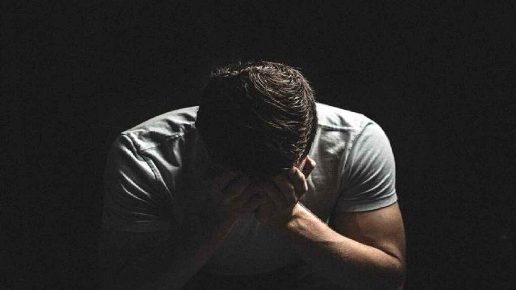 افسردگی ناراحتی درد ناراحتی روحی بی حال بی توجهی به زندگی